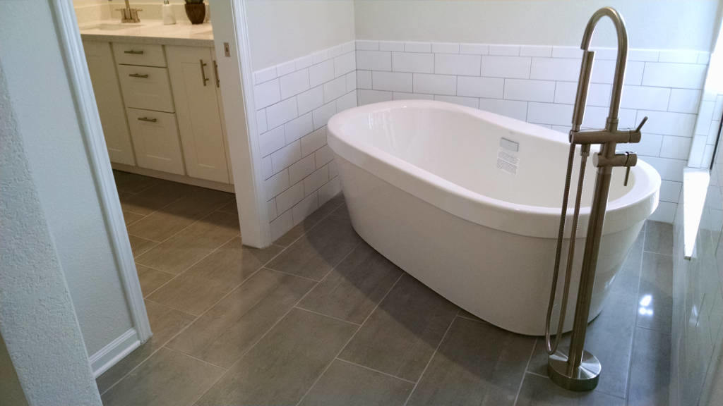 Scottsdale-freestanding-tub-master-bath-AL-1.2