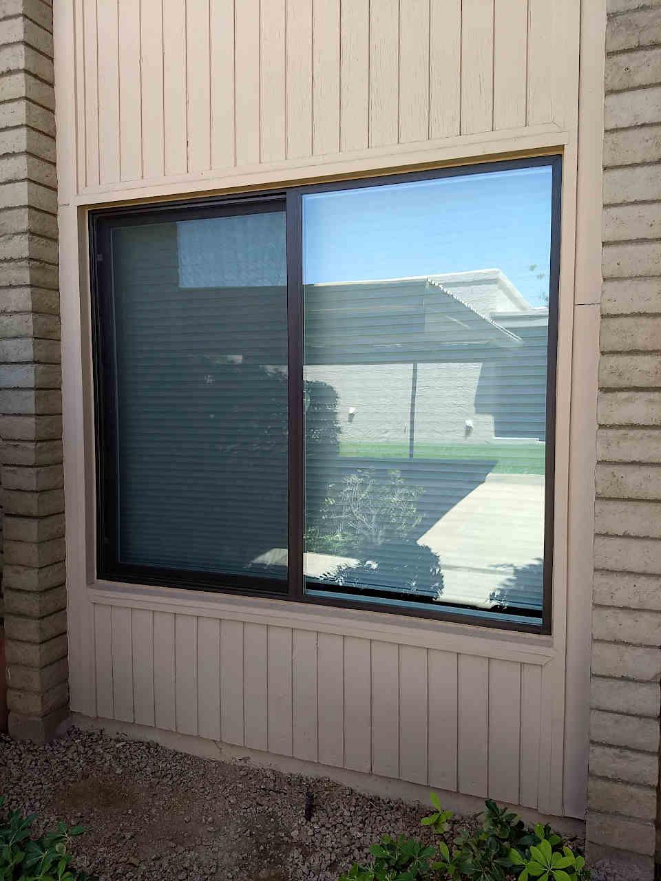 Milgard-sliding-window-brown-960